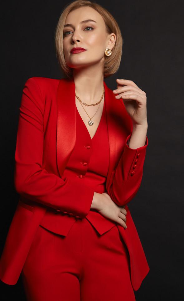 Красный костюм-тройка