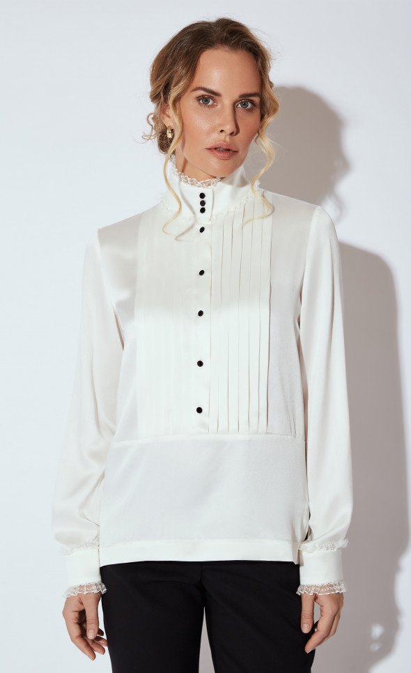 Блуза с кружевом и контрастными пуговицами